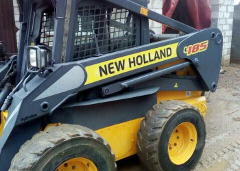 Мини погрузчик New Holland L185